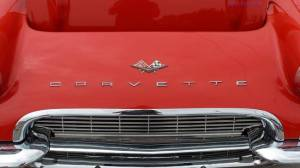 Classic-Car--Red-Corvette-Hood_art
