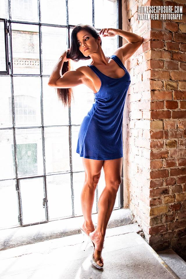 Blue dress in window ZV