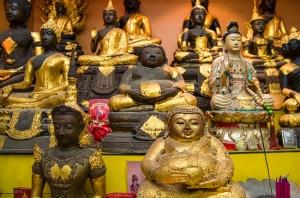 gold-buddha-altar