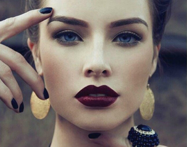 vampy_red_lip_makeup_2-Copy