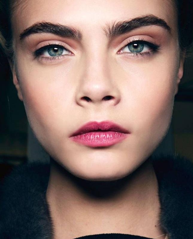 cara-delevigne-eyebrows1