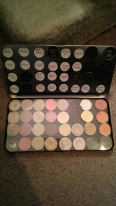 My first Makeup Forever eye shadow palette with MAC eye shadow pans